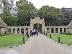 08.-Arriving-at-Holkham-Hall.jpg